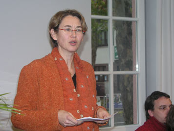 Dr. Anja Dauschek