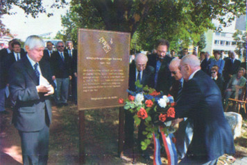 Enthüllung der Gedenktafel für die Gaisburger Kriegsgefangenen