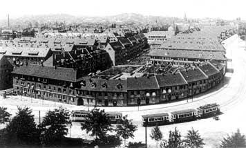 1921 wurde die Straßenbahnersiedlung Friedenau fertiggestellt. (Fotografie, um 1925)