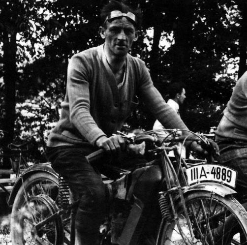 Motorrad-Rennfahrer Erwin Gehrung