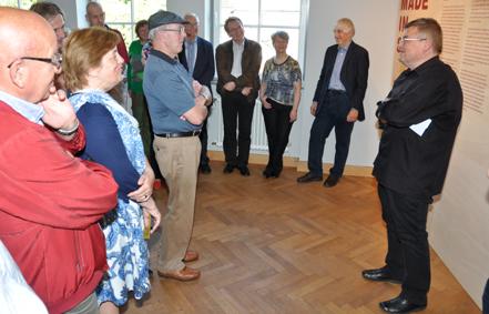 Bürgermeister Matthias Hahn (rechts) bei der Eröffnung. Fotos: aia