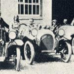 Die Exkursion zu Gaisburger Industriestandorten führt auch zu den Gebäuden, in denen einst diese Rennwagen gebaut wurden, Aufnahme von 1924. Sammlung MUSE-O