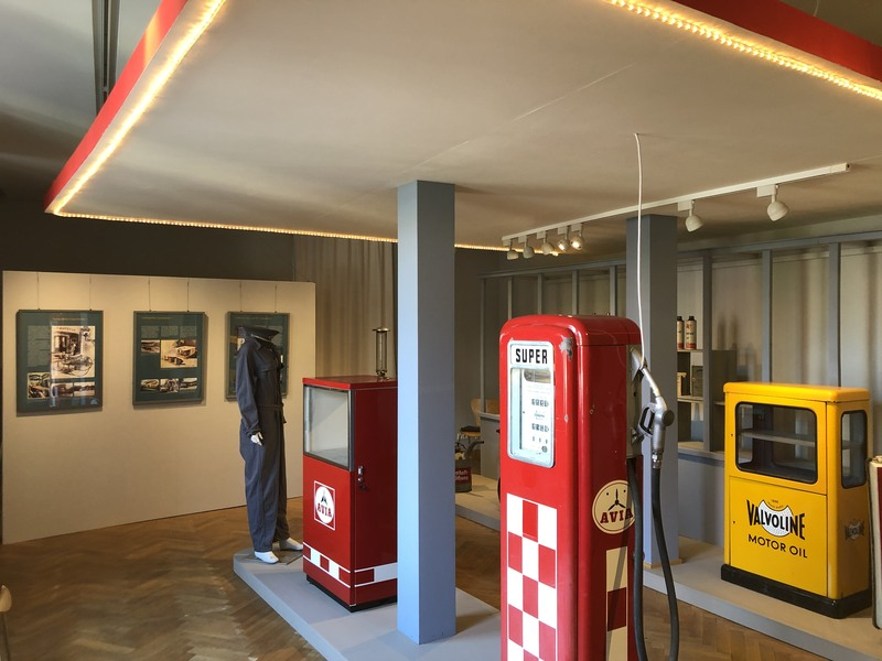 Tankstellen-Ausstellung  im MUSE-O